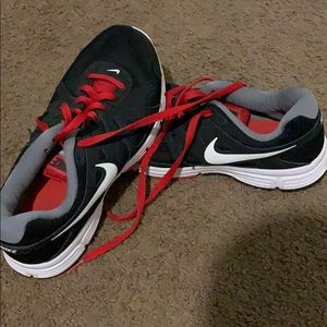 Nike REVOLUTION 2  Red and Black Size 9.5